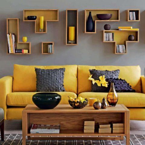 photo de salon scandinave avec canape jaune